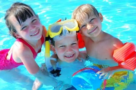 kids-playing-in-pool-1